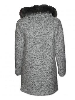 Kabát s kožešinovým límcem
